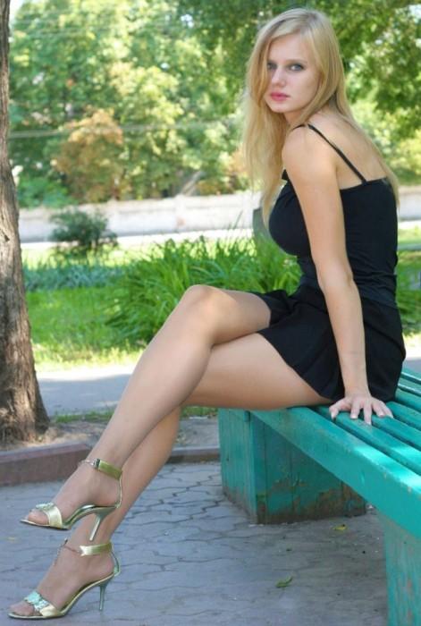 seksualnie-foto-devushek-na-ulitsah